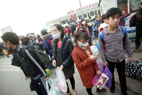 tin tức mới cập nhật hôm nay cho biết Các bến xe Hà Nội đông nghẹt người sau nghỉ Tết