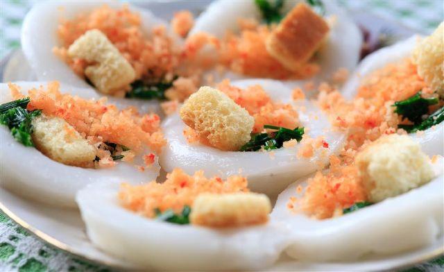 Bánh bèo xứ Huế là loại bánh đầy hương vị quê nhà
