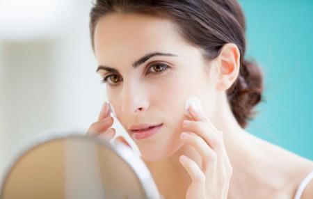 Sữa rửa mặt có vai trò rất quan trọng trong việc dưỡng trắng da mùa đông