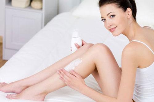 Sử dụng kem chống nắng trong mùa đông cũng là cách hữu hiệu để da trắng sáng hơn