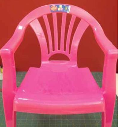 Ghế nhựa Trung Quốc dễ gây ngã và trấn thương cho trẻ bị thu hồi