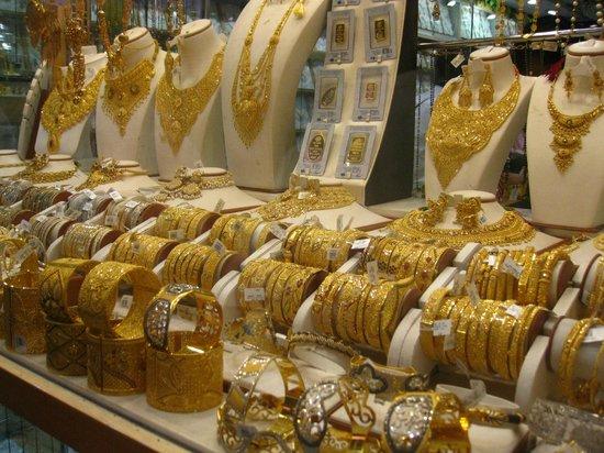 Giá vàng thế giới đang chịu tác động từ phía FED và Trung Quốc