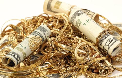 giá vàng hôm tiếp tiếp tục tăng, trong khi đô la chưa có dấu hiệu phục hồi