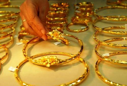 giá vàng thế giới đang chịu sức ép từ nhiều yếu tố