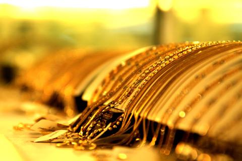 Giá vàng thế giới có thể sẽ còn xuống thấp trong thời gian ngắn hạn