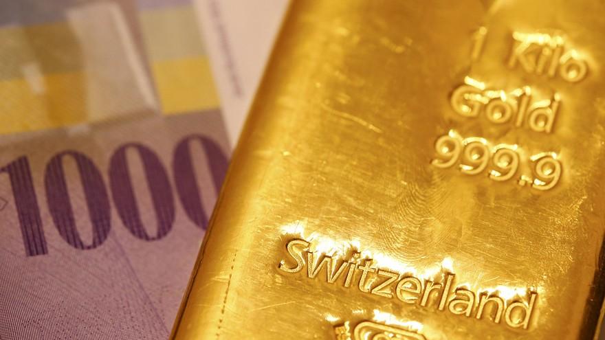 Giá vàng hôm nay tiếp tục chịu áp lực từ việc FED có khả năng tăng lãi suất