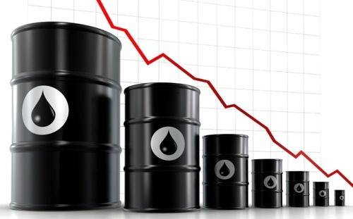 Giá dầu thô tiếp tục lao dốc gây ảnh hưởng lên giá vàng thế giới