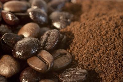 Bột cà phê sẽ giữ quần áo không phai màu