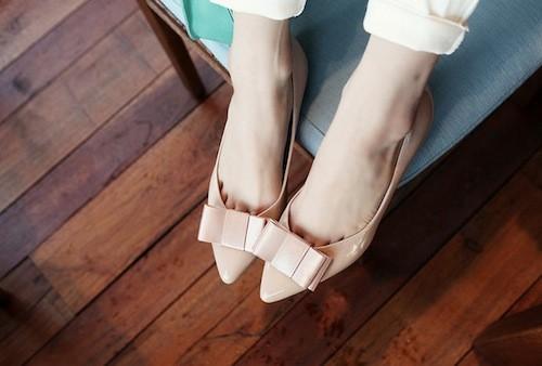 Giày mũi nhọn là đôi giày hè không thể thiếu với bạn gái