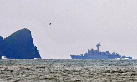 Hàn Quốc đưa tàu chiến ra tuần tra gần đảo Yeonpyeong (đảo Diên Bình)