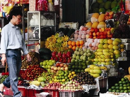 Các loại trái cây như chôm chôm, bòn bon, me của Thái Lan đang được người tiêu dùng chọn lựa thay cho trái cây Trung Quốc.