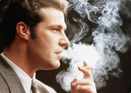 Hút thuốc lá có thể dẫn đến ung thư bàng quang, suy thận, viêm thận