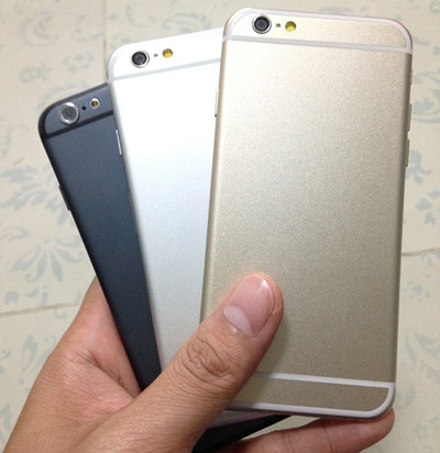 Trang tin 9to5Mac cũng đã đăng tải một hình ảnh về mẫu giao diện di động mockup iPhone 6 với 3 bản màu gồm bản màu trắng, bản màu xám và thậm chí là bản màu vàng.