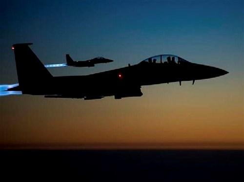 Máy bay chiến đấu F-15 của Mỹ tiến hành phi vụ không kích IS tại Syria