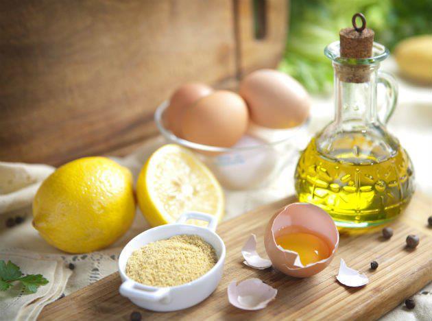 Kem ủ từ trứng giúp phục hồi và ngăn ngừa tóc gãy rụng