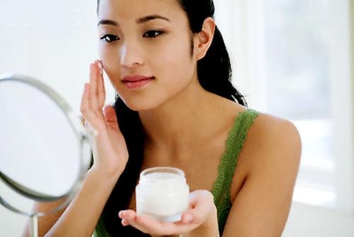 Kem dưỡng trắng da chứa thành phần thủy ngân độc hại