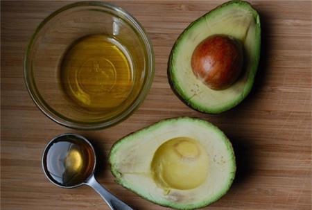 Kem làm trắng da từ mật ong và quả bơ giúp làn da mịn màng ngay từ lần đầu sử dụng