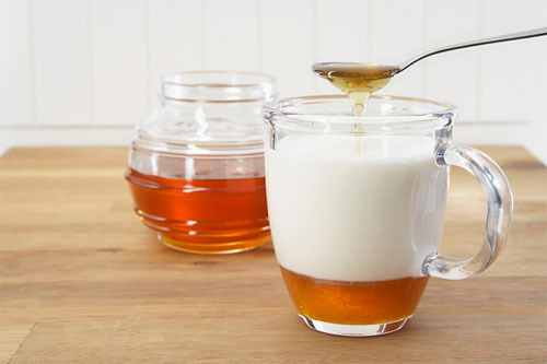 Cách làm kem làm trắng da từ mật ong và sữa chua rất đơn giản mà hiệu quả