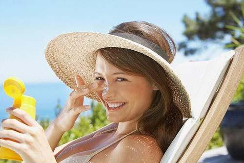 Sử dụng kem chống nắng cho da mặt đúng cách