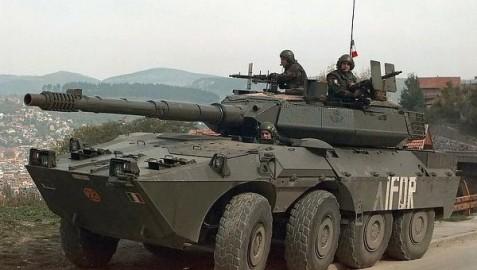 Khủng hoảng Ukraine thêm căng thẳng khi Ukraine cáo buộc Nga điều xe tăng tấn công biên giới Ukraine