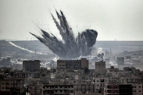 Bom Mỹ dội xuống mục tiêu của khủng bố IS ở thị trấn Kobani