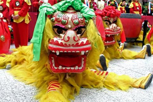 Múa lân là tiết mục đặc sắc trong các lễ hội Tết nguyên đán của người Hoa ở Singapore