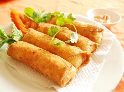 Chả giò không chỉ là món ngon ngày Tết mà còn là món ăn truyền thống của Việt Nam được nhiều người yêu thích