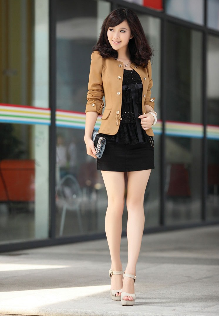 Thời trang tết thêm phần nổi bật với những bộ vest trẻ trung, cá tính hoặc lịch lãm, sang trọng