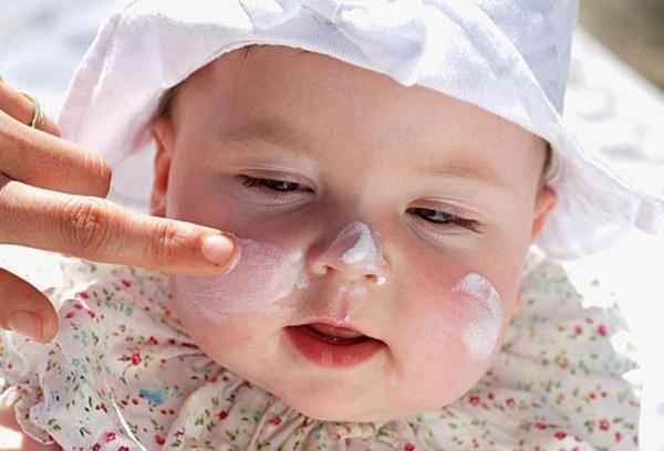 Hóa chất trong mỹ phẩm trẻ em tiềm ẩn nhiều độc hại