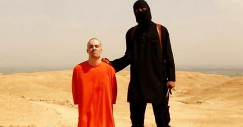 Đoạn video quay cảnh nhà báo Mỹ James Foley bị cắt cổ dã man làm rúng động thế giới