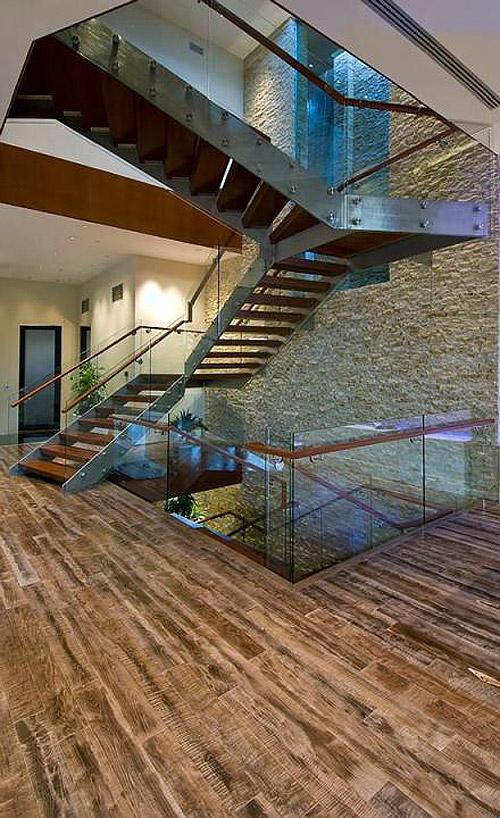 Các vật liệu tự nhiên, tiết kiệm năng lượng và tránh thất thoát nhiệt được sử dụng trong căn nhà