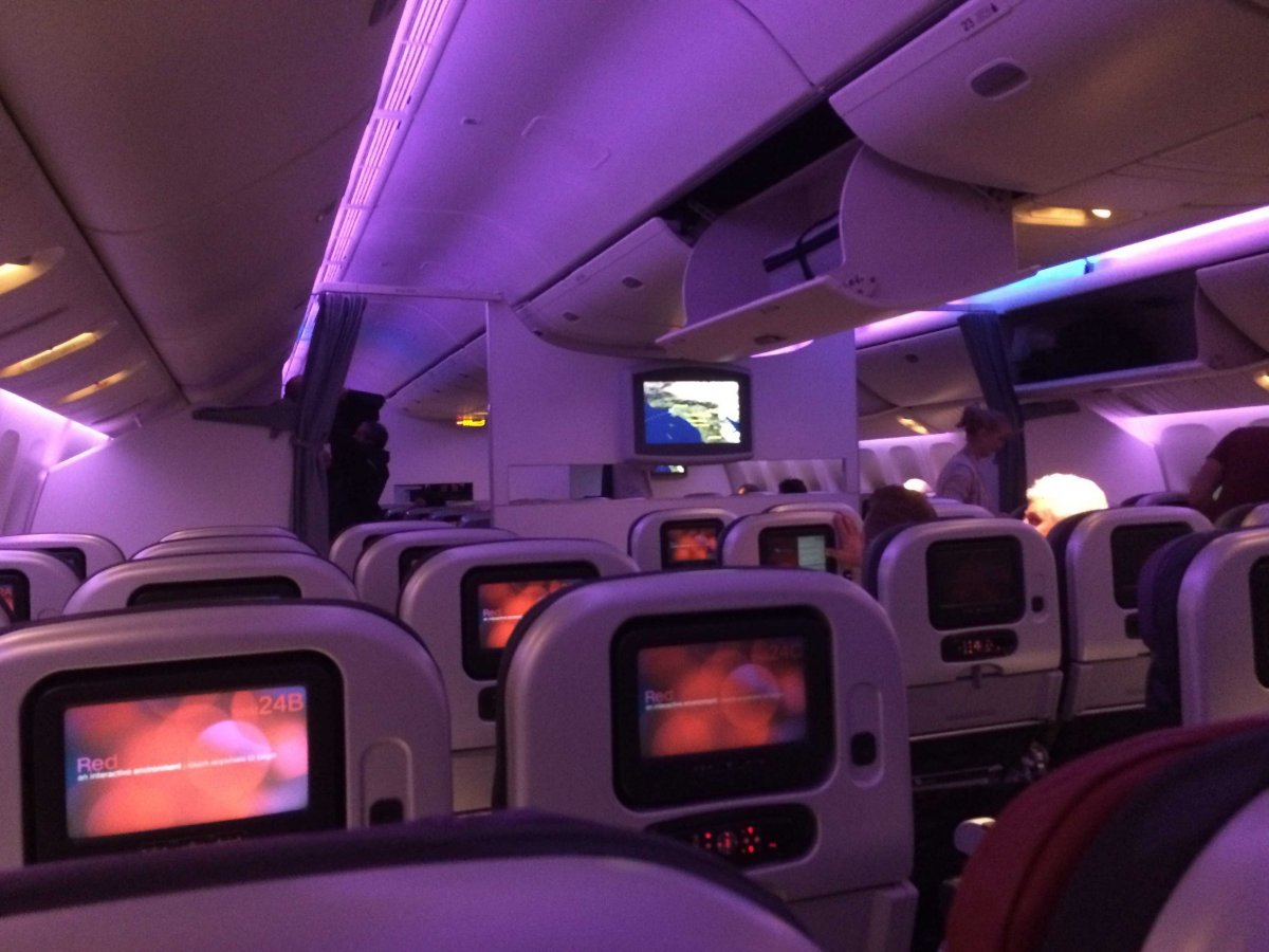 Virgin lọt top những hãng hàng không tốt nhất thế giới nhờ trang bị thiết bị giải trí màn hình cảm ứng 9 inch để phục vụ khách hàng