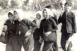 Trong 6 năm ròng rã, bà Võ Thị Thắng đã bị kẻ thù đày đọa, giam cầm, tra tấn hết nhà lao này đến nhà lao khác
