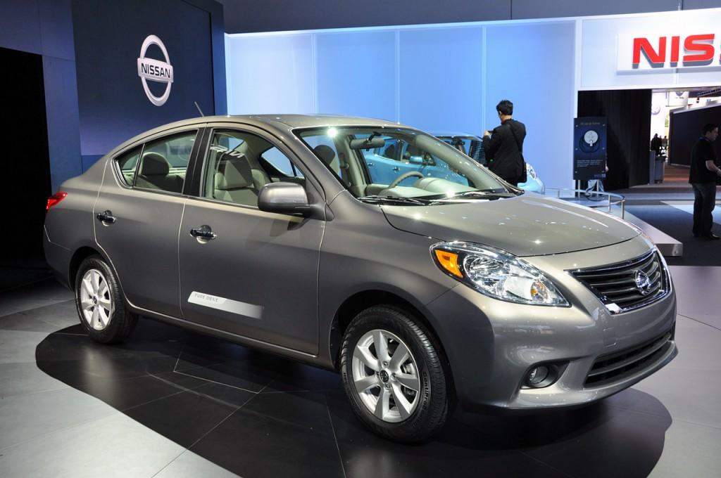 Một trong những mẫu ô tô 5 chỗ giá rẻ dưới 600 triệu đồng nên lựa chọn là Nissan Sunny