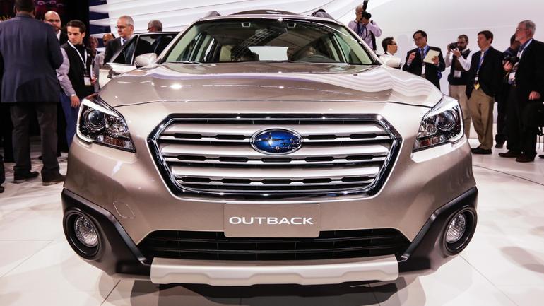 Tinh tế, giàu tiện ích, Subaru Outback 2015 còn có một bước nhảy vọt lớn về khả năng vận hành tiết kiệm nhiên liệu.