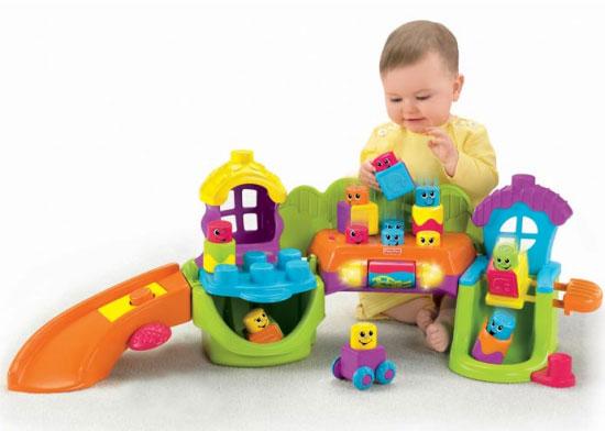 Quà 1/6 là đồ chơi xếp hình giúp bé rèn luyện tính kiên nhẫn, tăng cường khả năng sáng tạo