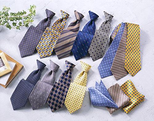 Cà vạt là một món quà tặng 20/11 thiết thực cho thầy giáo