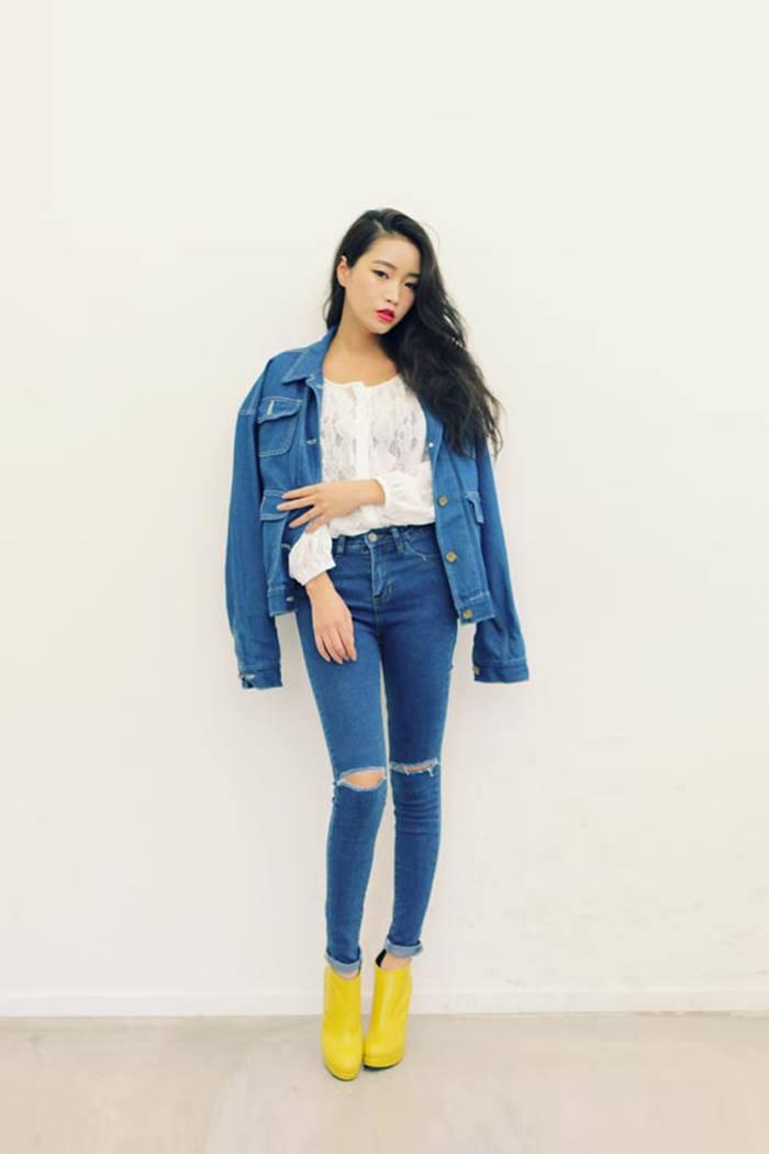 Quần jeans rách phù hợp với những cô nàng cá tính và thích sự khác biệt