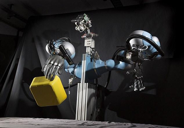 Robot rửa bát có tên Boris