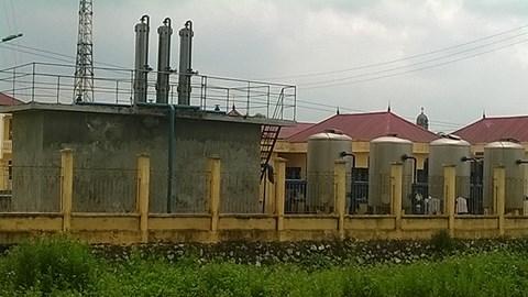 Nhà máy nước sạch nằm đối diện với UBND xã Xuân Dương. Nhà máy nước sạch nằm đối diện với UBND xã Xuân Dương.