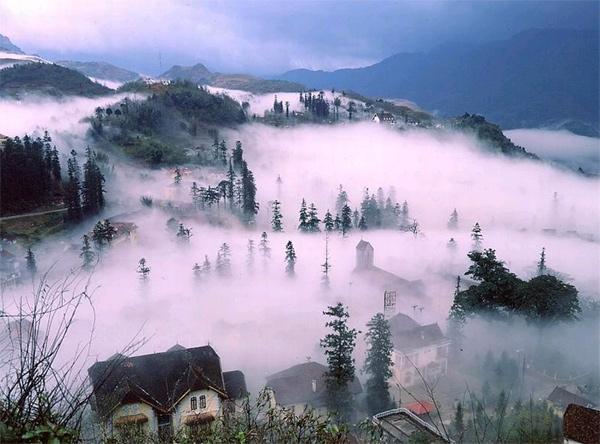 Sa pa chìm trong sương mù