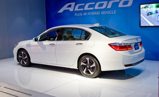 Honda Accord vẫn trung thành theo phong cách pha trộn giữa tính thể thao và sang trọng.