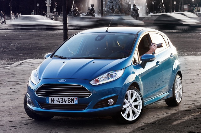 So sánh ô tô Kia Rio và Ford Fiesta có khá nhiều điểm khác biệt