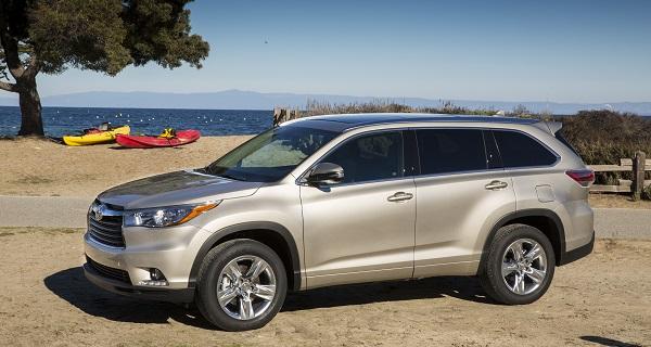 Toyota Highlander vượt trội hơn đối thủ khi đem đến cho khách hàng tùy chọn ba động cơ