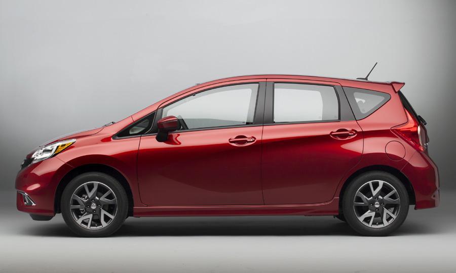 Nissan Note có kết nối điện thoại thông minh, màn hình 5 inch...