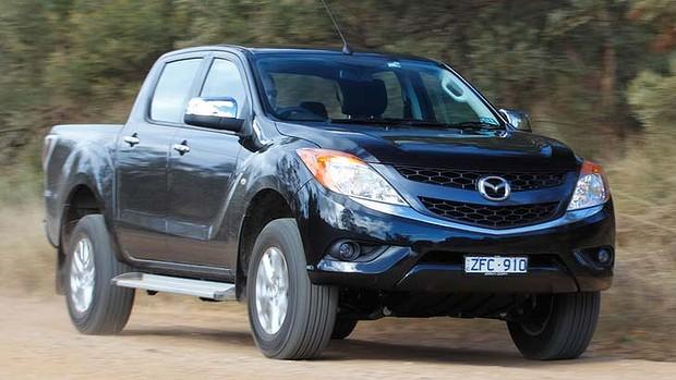 Khi so sánh ô tô, Toyota HiLux và Mazda BT-50 xứng đáng là lựa chọn hàng đầu trong phân khúc xe bán tải