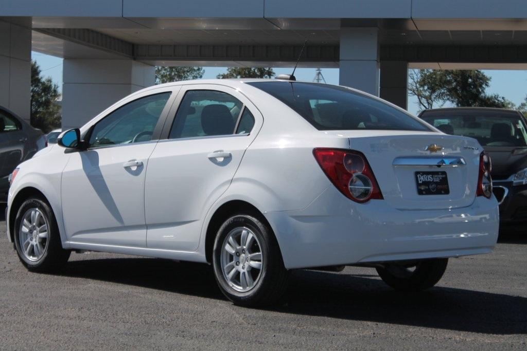 Chevrolet Sonic được trang bị các phiên bản động cơ 1.4 lít, 1.6 lít và 1.8 lít