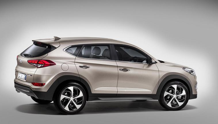 Hyundai Tucson 2016 sử dụng động cơ 2 lít bốn xi-lanh phun xăng