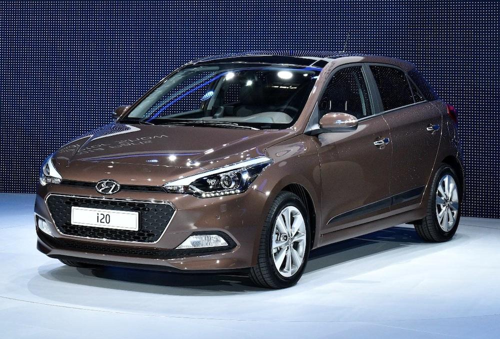 Hyundai i20 2015 có ngoại hình giống một mẫu xe hatchback lai SUV