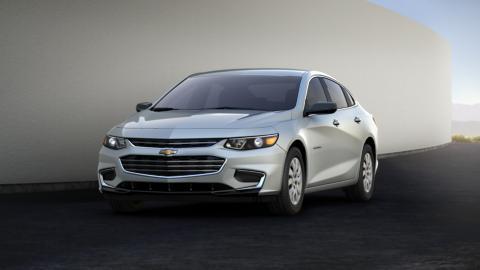 Chevrolet Malibu 2016 có nội thất nổi trội hơn đối thủ khi so sánh ô tô